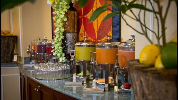 Oscar's Brassserie juice bar