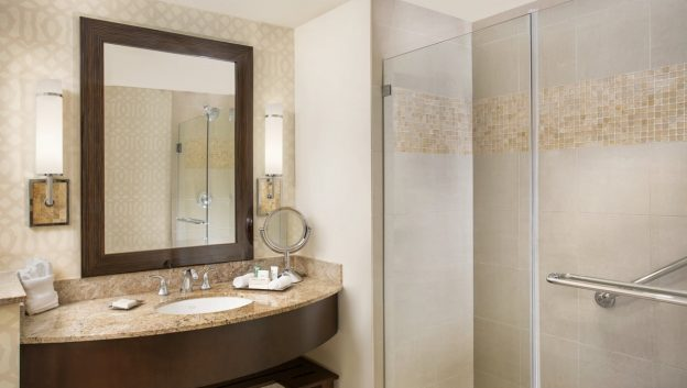 Hilton Suite bathroom